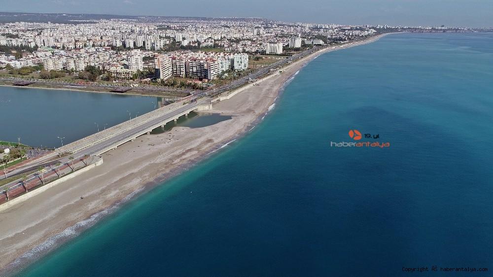 2020/12/kisitlama-turistlere-yaradi-dunyaca-unlu-sahil-onlara-kaldi-20201205AW18-7.jpg