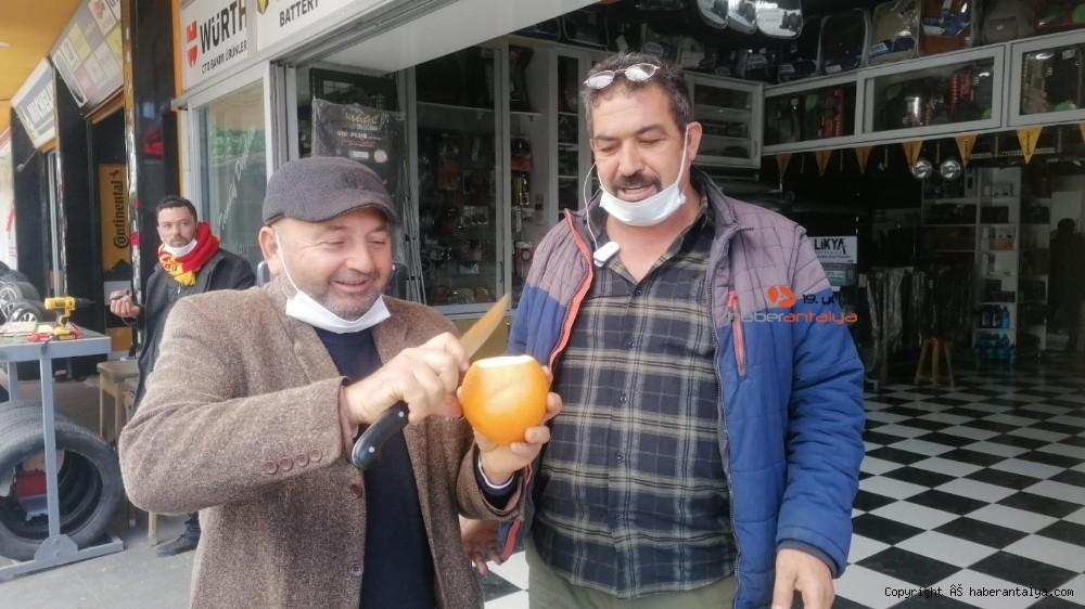 2021/01/tanesi-1-kilogrami-gecen-portakallar-ne-kadara-satiliyor--20210113AW21-1.jpg