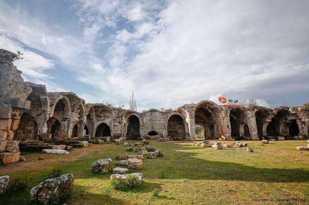 2021/01/tarihi-kargihan-manavgat-belediyesine-devredildi-20210122AW22-1.jpg