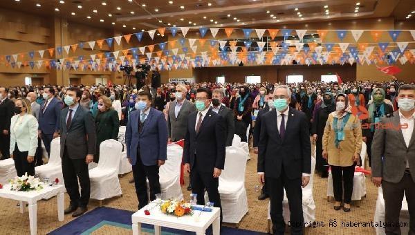 2021/02/ak-partinin-kadin-uye-sayisi-hedefi-6-milyon-b379b26503a5-4.jpg