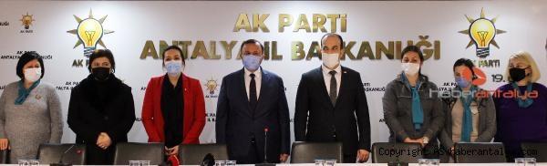 2021/02/yabanci-asilli-turk-vatandasi-5-kadin-ak-partiye-uye-oldu-bf15f38b2b63-1.jpg