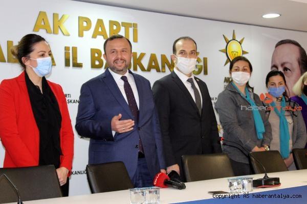 2021/02/yabanci-asilli-turk-vatandasi-5-kadin-ak-partiye-uye-oldu-bf15f38b2b63-4.jpg