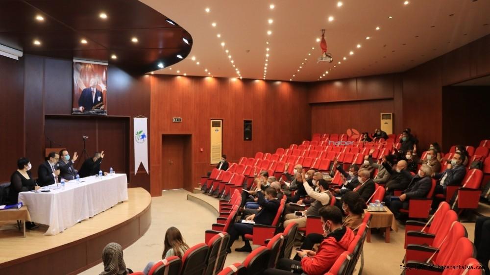 2021/03/chpli-belediye-kavsaktaki-osmanli-tugrasini-kaldirdi-20210302AW25-5.jpg