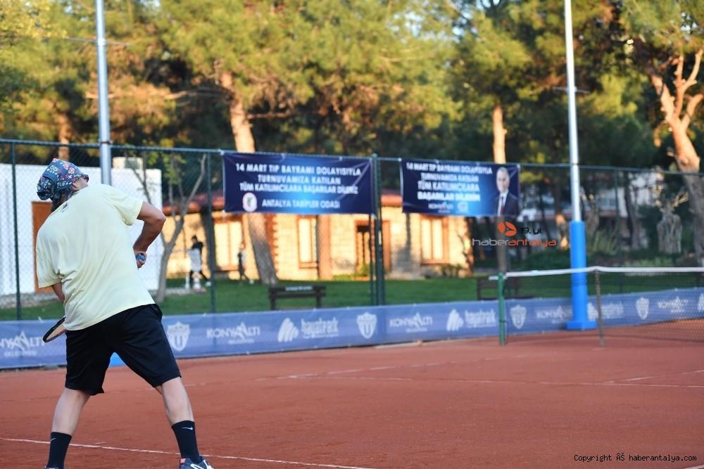 2021/03/doktorlar-tenis-turnuvasinda-bulustu-20210305AW25-4.jpg