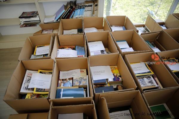 2021/04/bagislanan-kitaplar-turkiyenin-dort-bir-yanina-gonderiliyor-3973c5b667fc-4.jpg