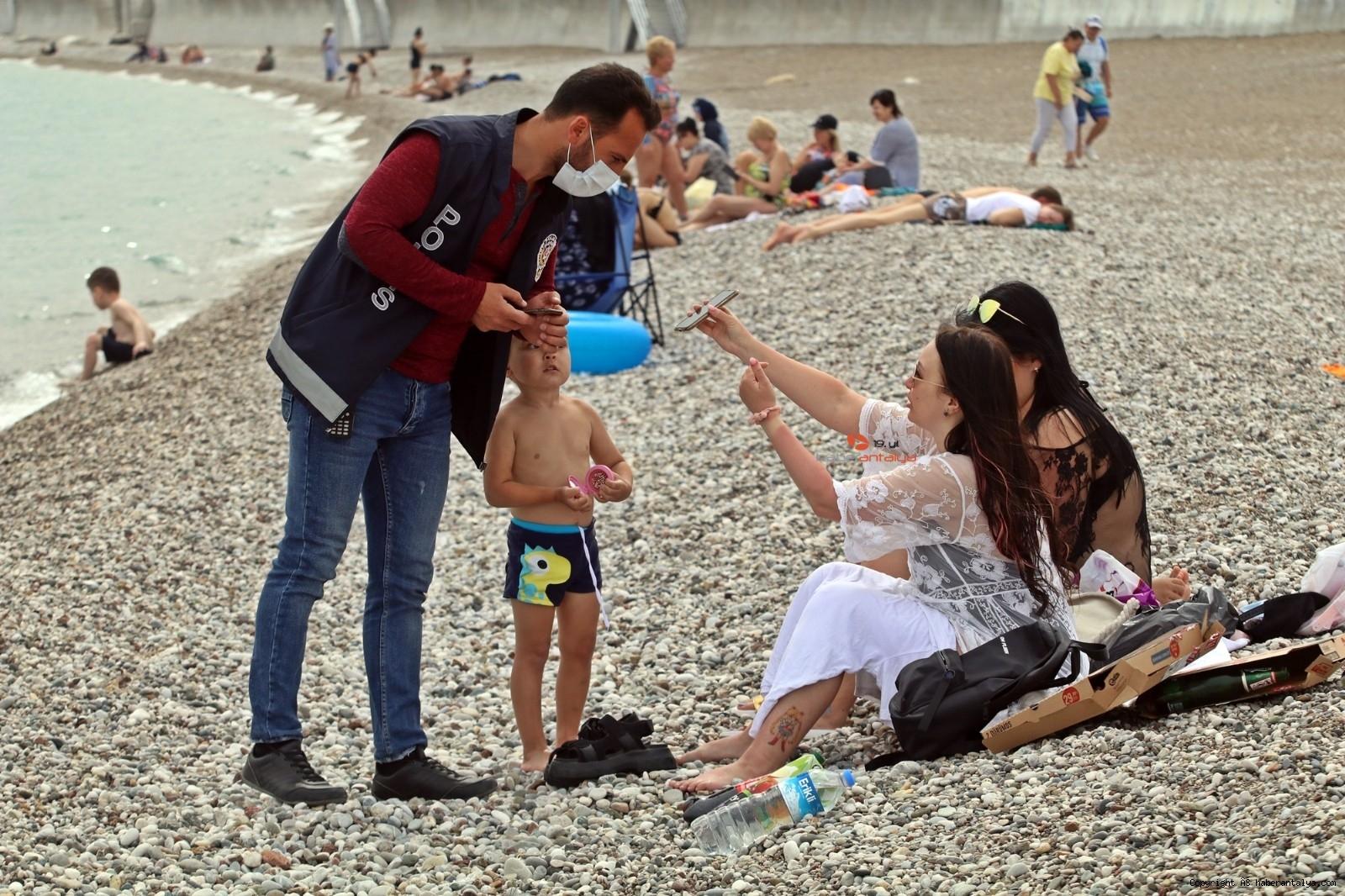 2021/04/bakan-soylunun-acikladi-dunyaca-unlu-sahilde-siki-denetim-basladi--20210418AW29-1.jpg