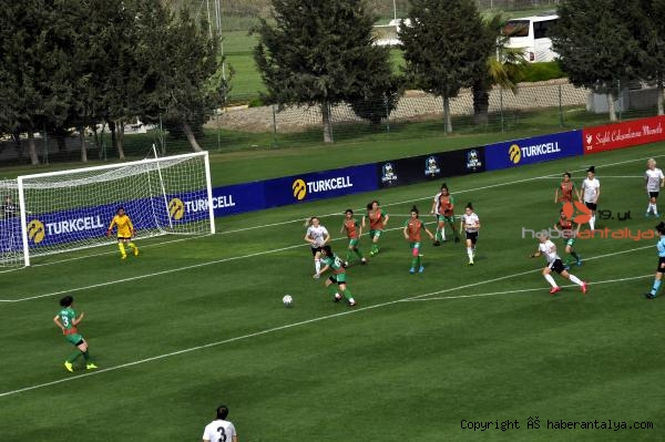 2021/04/besiktas-amed-sportif-faaliyetleri-7-0-yendi-77e09f996289-1.jpg