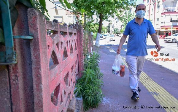 2021/05/pandemi-donemine-esnaf-cozumu-balkondan-bakkal--ce1ce421dc7a-3.jpg