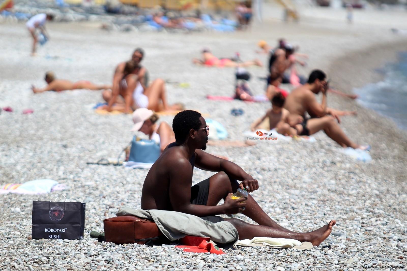 2021/05/sahilde-turist-yogunlugu-20210512AW31-3.jpg