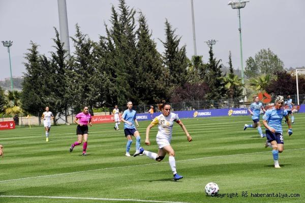2021/05/turkcell-kadinlar-futbol-liginin-ucuncusu-alg-spor-321de86ff66e-2.jpg