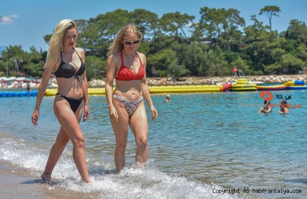 2021/06/antalya-sahillerinde-rus-turist-yogunlugu-5c5f9d64a387-3.jpg