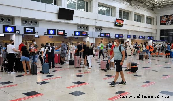 2021/06/antalyaya-44-ucakla-12-bin-200-rus-turist-bekleniyor-6e365f9b61d0-1.jpg