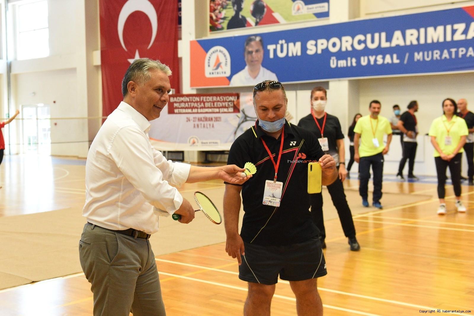 2021/06/badminton-senligi-acilis-vurusu-baskan-uysaldan-20210624AW35-1.jpg