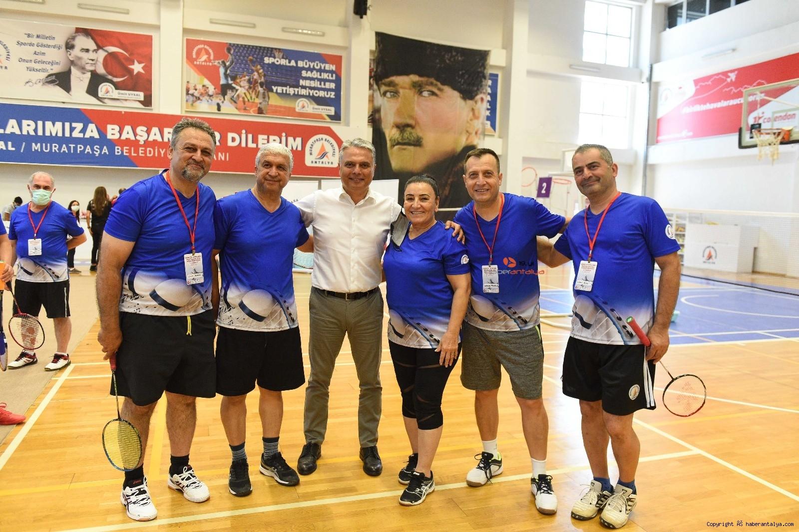 2021/06/badminton-senligi-acilis-vurusu-baskan-uysaldan-20210624AW35-2.jpg
