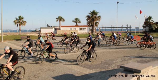 2021/06/dunya-bisiklet-gununde-doga-icin-pedal-cevirdiler-b1fc6ca6d077-2.jpg