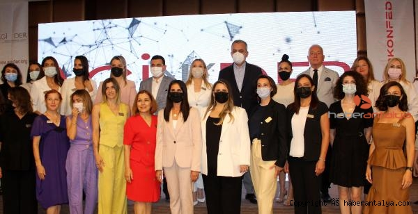2021/06/pandeminin-is-dunyasindaki-kadin-ve-erkeklere-3-olumsuz-etkisi-83be51d4879a-1.jpg