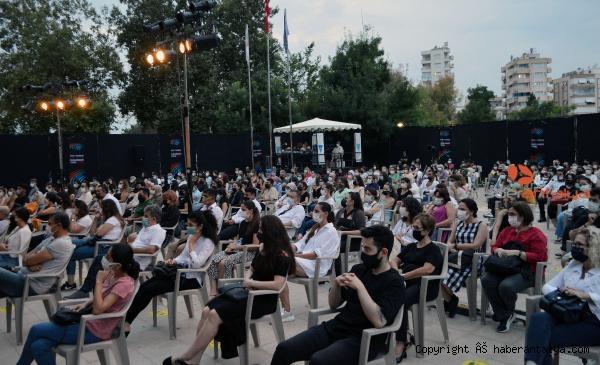 2021/06/tiyatro-festivali-basladi-c8932f6ac983-5.jpg