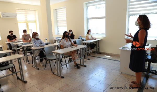 2021/06/universite-sinavina-girecek-ogrencilere-psikolojik-destek-9e233669a150-1.jpg