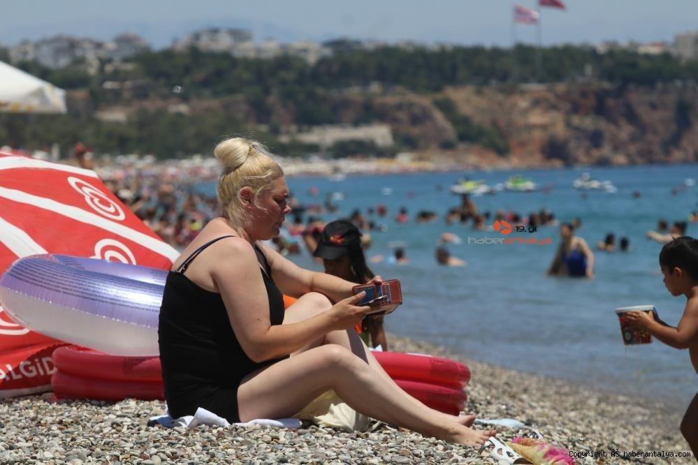 2021/07/antalyaya-1-milyon-200-bin-yabanci-turist-geldi-20210717AW37-4.jpg