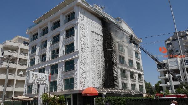 2021/08/antalyada-bir-yangin-da-otelde-cikti--601ad5e4a6e0-3.jpg