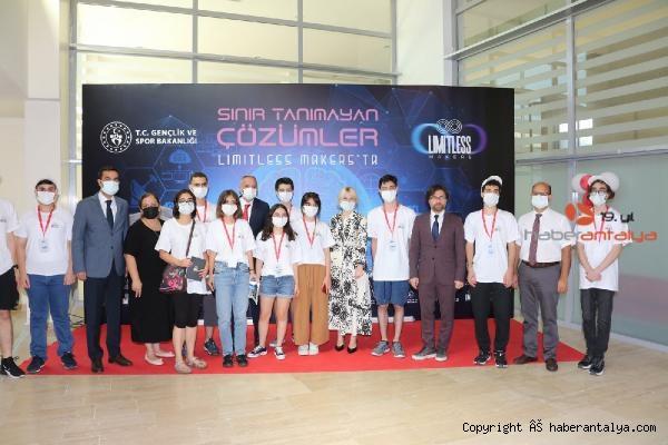 2021/08/rektor-ozkanbasimiza-icat-cikarin-b94c2afd6890-2.jpg