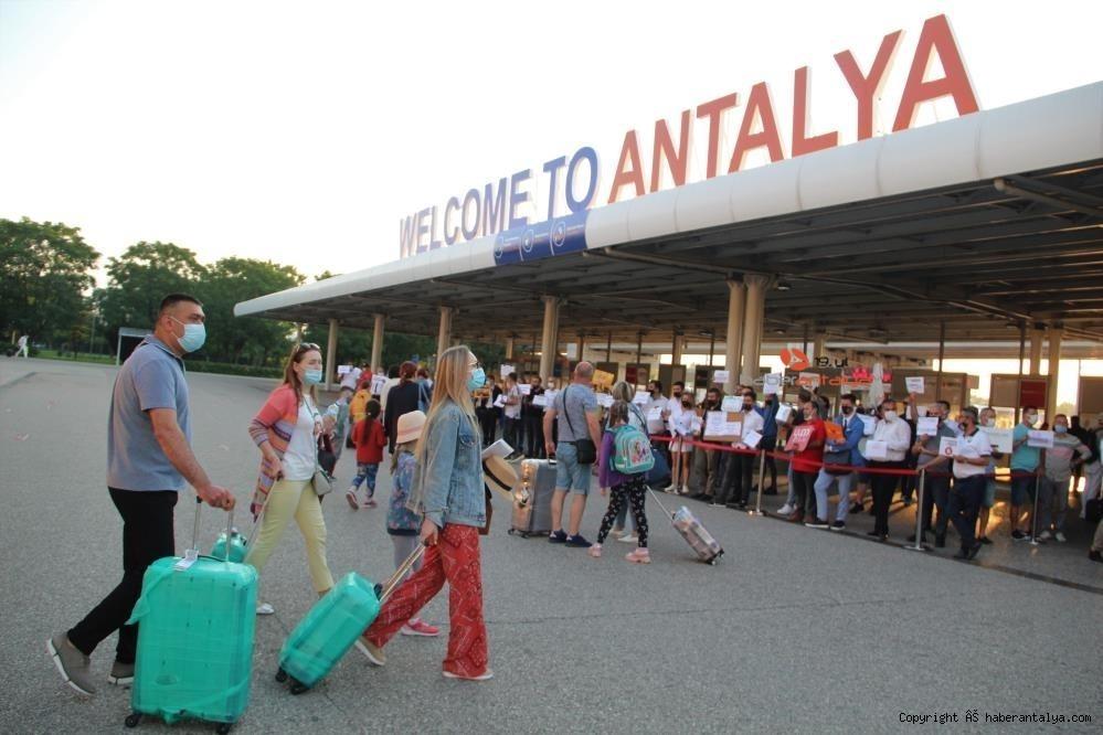 2021/09/antalyada-turist-sayisi-yuzde-202-artti-20210914AW41-4.jpg