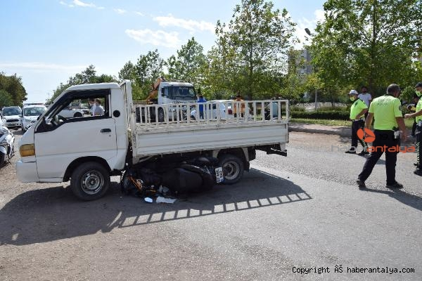 2021/09/cirak-aldigi-kamyonetle-kaza-yapti-3af031ad4e2a-2.jpg