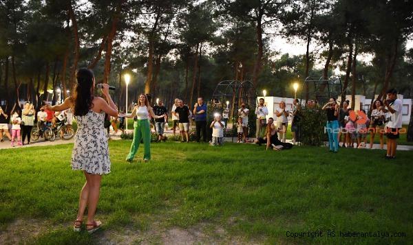 2021/09/konyaalti-oda-orkestrasindan-flash-mob-surprizi-c9c13bd4fb85-5.jpg