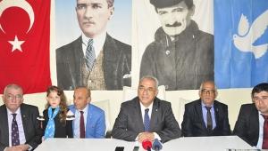 Ben bildim bileli Atatürk'ü istismar ediyorlar