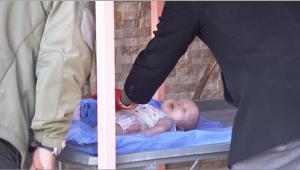 Teneşir masası üzerinde ölü bebek bulundu