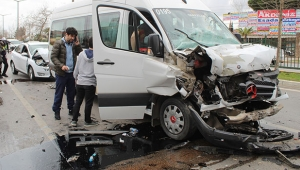 Antalya'da Erkek Masa Tenisi Takımı kaza yaptı
