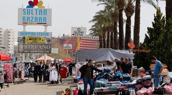 İran'daki devalüasyon Antalya'daki '5 Yıldızlı Sokak Pazarı'nı vurdu
