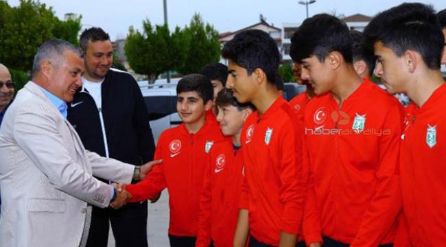 Manavgat Belediyespor Antalya'yı temsil edecek