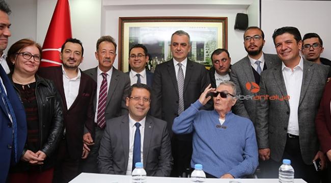Baykal'dan ilk ziyaret, CHP Antalya İl Başkanlığı'na