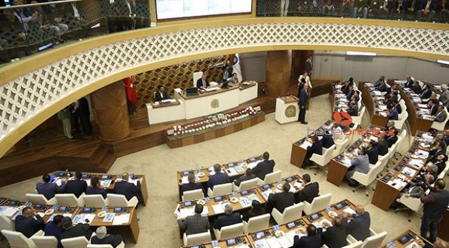 Büyükşehir Meclisi yeniden şekillendi