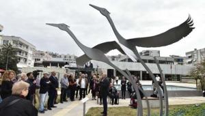 'Turnalar' heykeli Türkan Şoray Kültür Merkezi bahçesinde