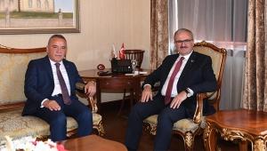 Vali Münir Karaloğlu, 31 Mart yerel seçimlerini böyle değerlendirdi: Antalya'da yeni bir sayfa açıldı