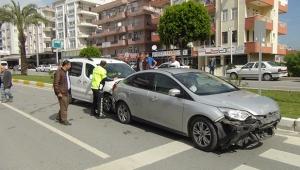 Zincirleme kazada birbirine giren araçları kimse ayıramadı