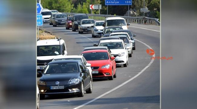 Antalya'nın taşıt sayısı bir ayda 3 bin 847 arttı