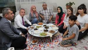 Başkan Böcek, iftarda Kiriş ailesinin konuğu oldu