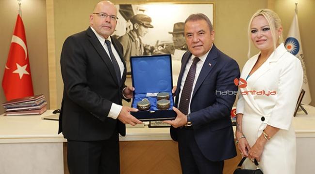 Başkan Böcek'ten Letonya-Antalya ilişkilerine tam destek