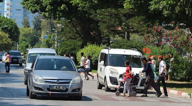 Yayaya yol vermeyen sürücülere ceza yağdı!