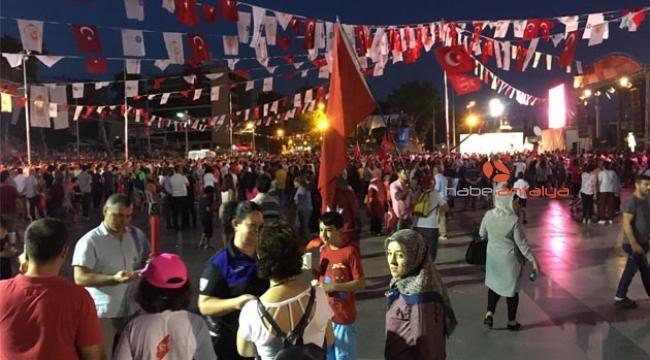Antalya polisinden 15 Temmuz bilgilendirmesi