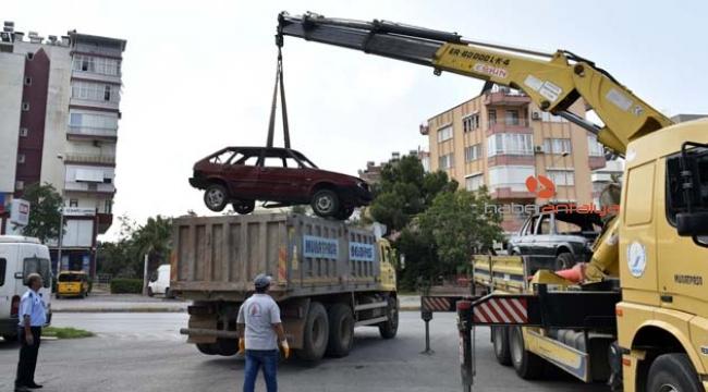 Hurda araçlar toplandı