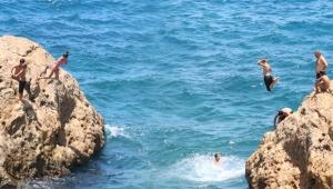 İntihar teşebbüsü gibi deniz keyfi !