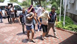 Kataloglu fuhuş çetesi operasyonunda tutuklama