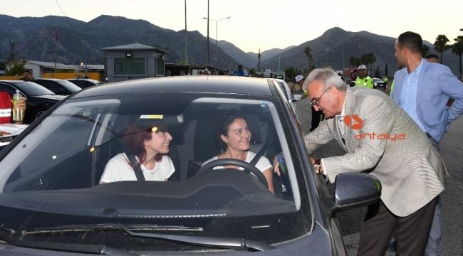 Antalya Valisi Karaloğlu uyardı, emniyet kemeri ses getirdi