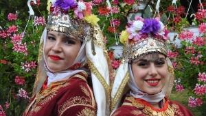 Çağlayan Lisesi Romanya'da Türkiye'yi temsil etti...