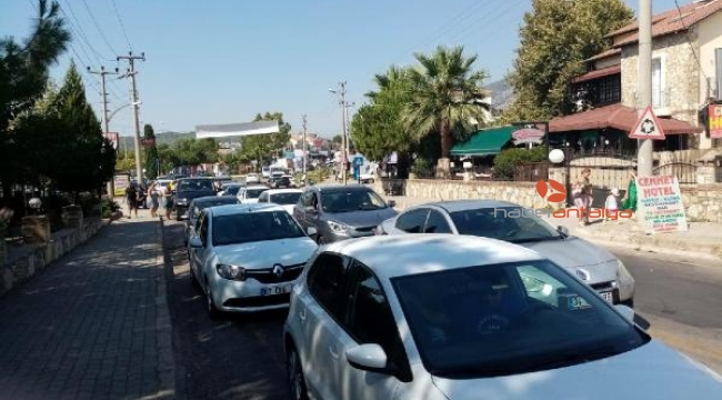 Ölüdeniz yolunda 'bayram' trafiği