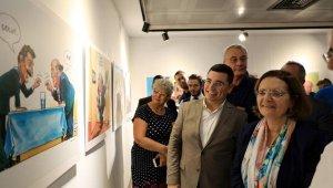 Süleyman Demirel karikatürleri sergisi ziyarete açıldı